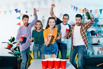 A Complete Guide of How to Play Beer Pong
