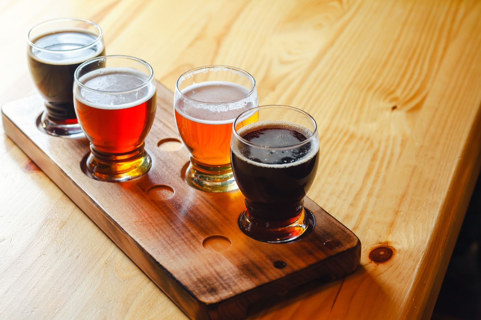 Craft Beer vs. Draft Beer: What Is The Difference?