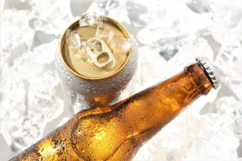 How Many Ounces Are In a Bottle of Beer & Can of Beer?
