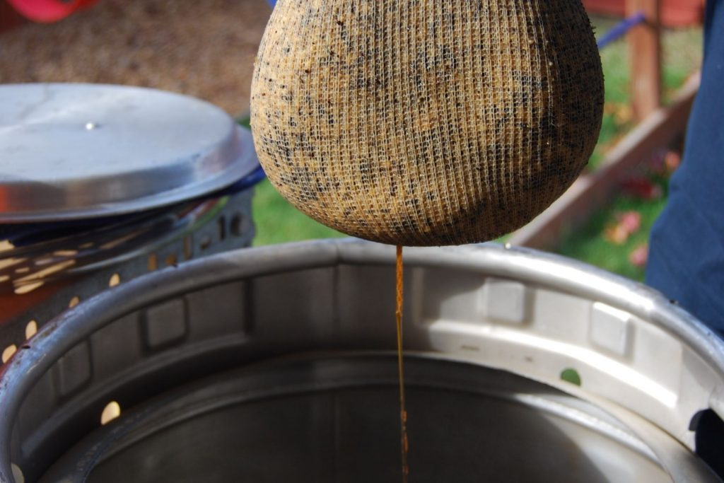 The Ultimate Guide to Small Batch Brewing_Sound Brewery